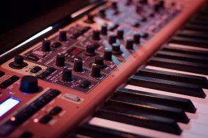 Keyboard lernen Keyboardunterricht MKAW Freie Musikschule Wildau Musikunterricht Keyboard mieten ausleihen