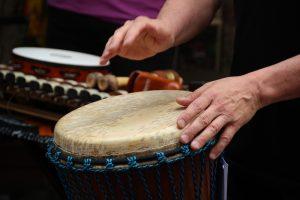 Percussion lernen Trommelkurs Trommelgruppe Djembe Cajon Bongo Conga Freie Musikschule Wildau MKAW Musikunterricht