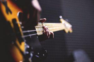 Bass-Gitarre lernen E-Bass-Unterricht Bassunterricht Freie Musikschule Wildau Schülerband MKAW